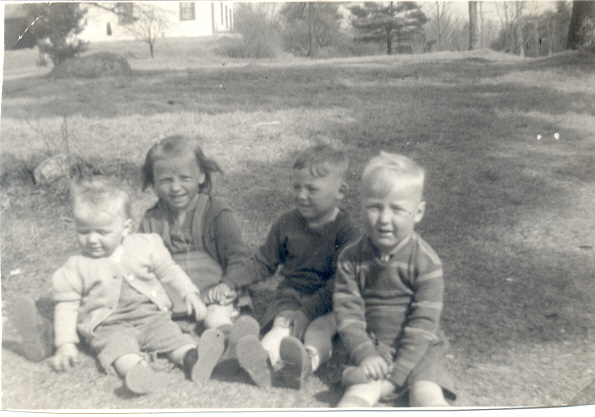 Arlene, Ingrid, George, Phil 1941
